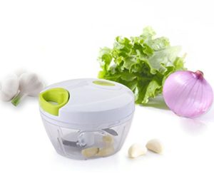 MKQPOWER, Neues Modell, 3 Klingen, Obst - und Gemüse -Zerkleinerer, Universal-Zerkleinerer, Gemüse-Hacker kompakt und scharf, perfekt zum Zerkleinern von Obst und Gemüse sowie für Salsa, Salate, Dips, Pesto uvm. - 1
